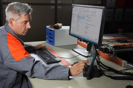 Intrinsically Safe Tablet Agile X Bartec Connect to Workstation